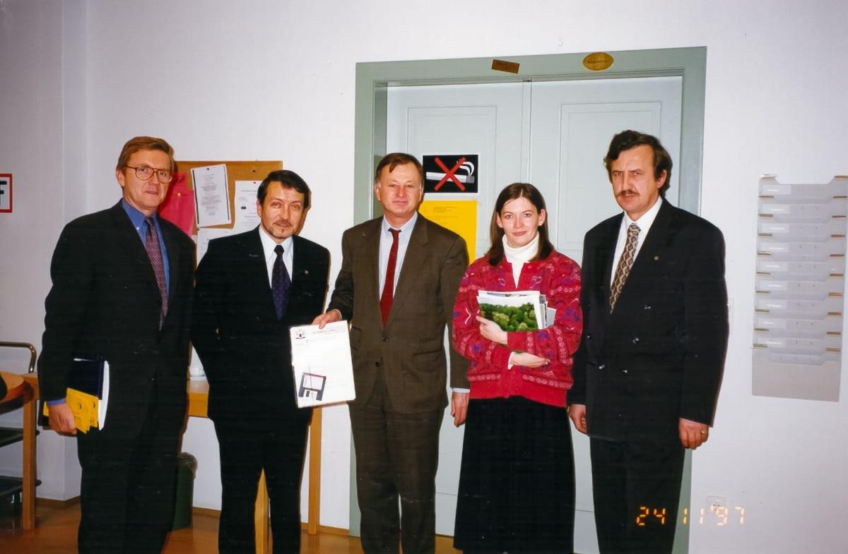 1997.11.14,24 - IV posiedzenie senatu, wizyta w Donau