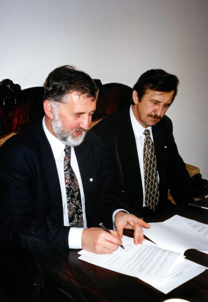 1998 L4 - 4