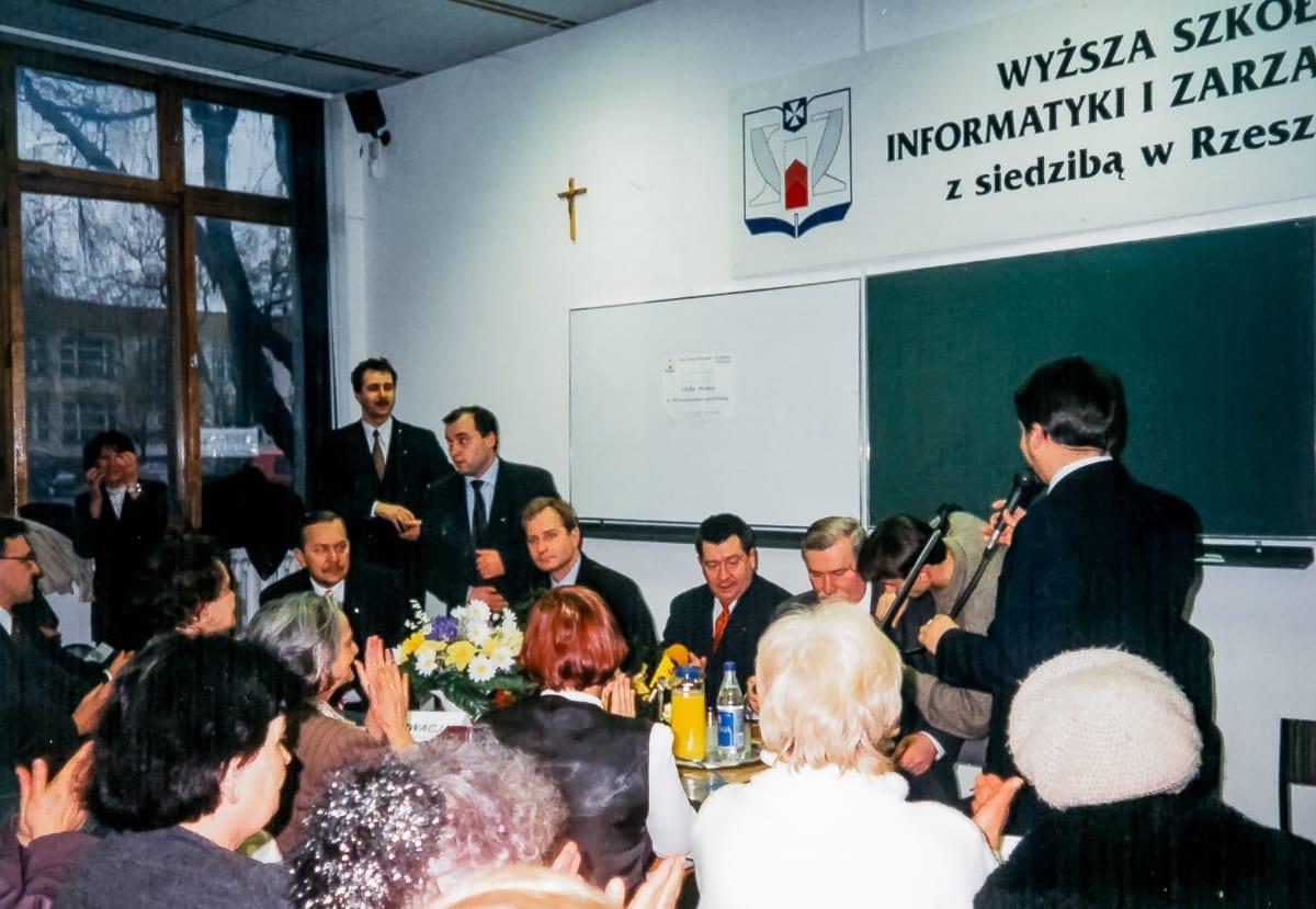 1998 L5-01
