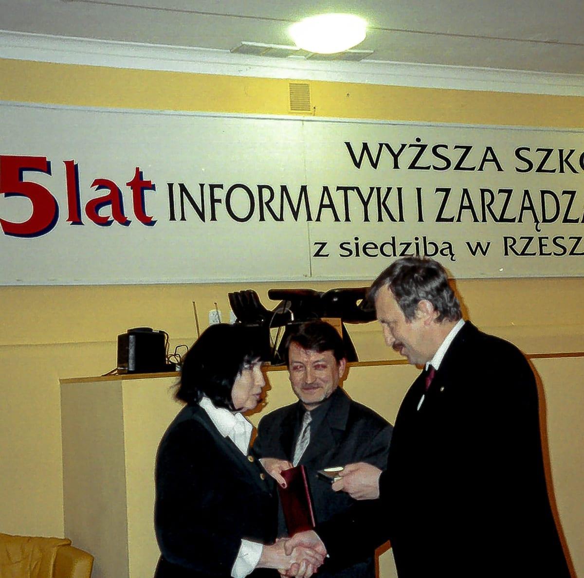 2001 L4 - 1