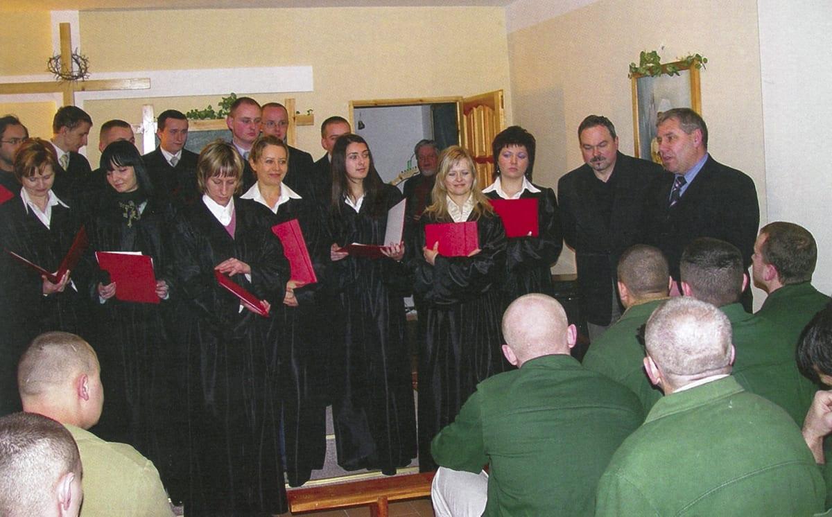 WSZiAwZ 10lat 09 2007 chór akad w ZK (dolne zdj)